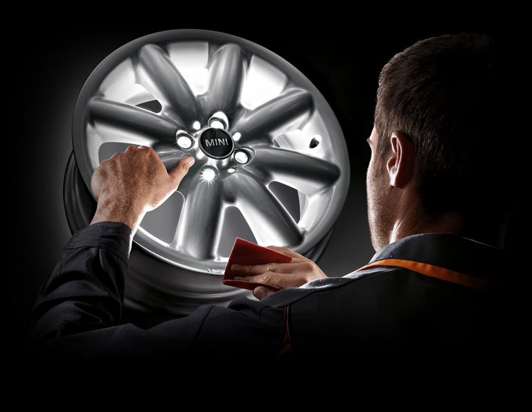 MINI Wheels and Tyres. Mini experts. Mini designer alloys